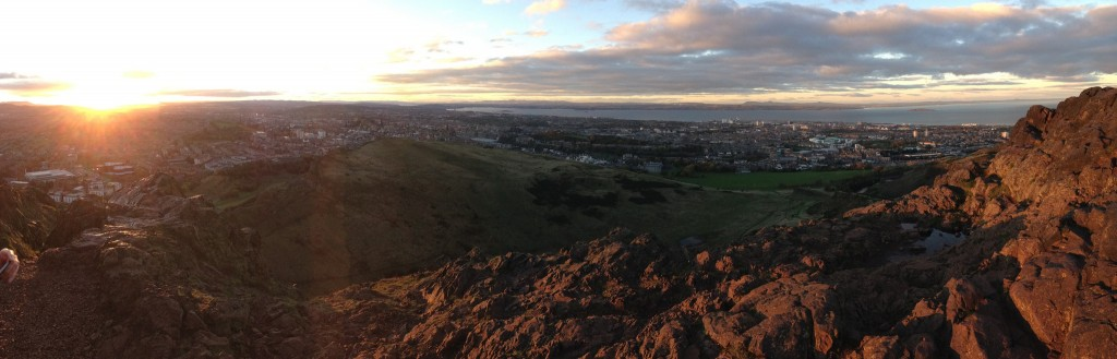 Edinburgh Pano CC-BY cogdog https://flic.kr/p/hgJubH